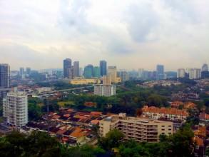 マレーシア不動産視察ツアー 窓からの景色、写真とは違う。実際はもっと大きく見える