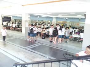 夏休み、インター校は生徒は休み、学生の雰囲気を見たいあなたは急いで! (1)