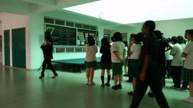 夏休み、インター校は生徒は休み、学生の雰囲気を見たいあなたは急いで! (3)