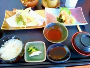 ちゃんとした和食もお手頃な価格で食べられます