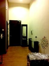 タラゴン Taragon コンドミニアム Condominium お部屋内の様子。ワンルームタイプ