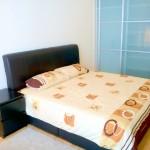ソラリスデュタマスワンルーム studio 大きめのベッドと収納