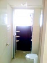 アクシスレジデンス特選綺麗なお部屋 シャワールームには扉もあります