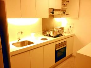 マイハビタットMyhabitat 1ベッドルーム キッチンはすべての食器が用意されています