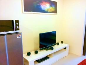タラゴン Taragon Studio スタジオ(ワンルーム)リビングエリアテレビ