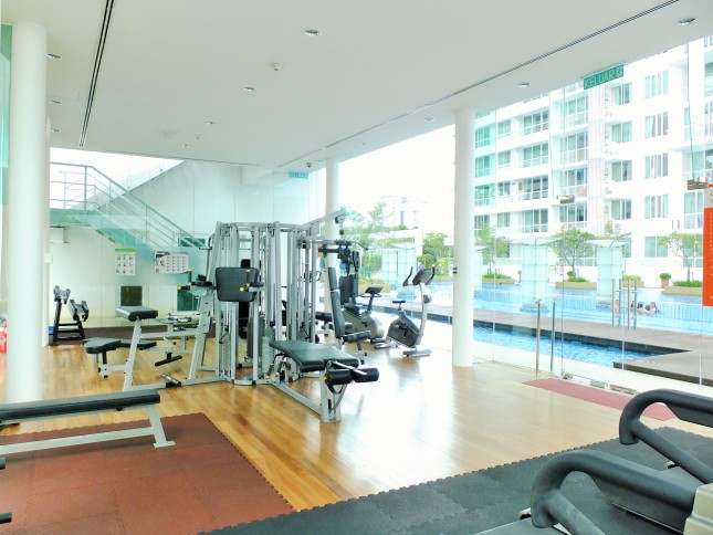 embassyview_floating-gym3