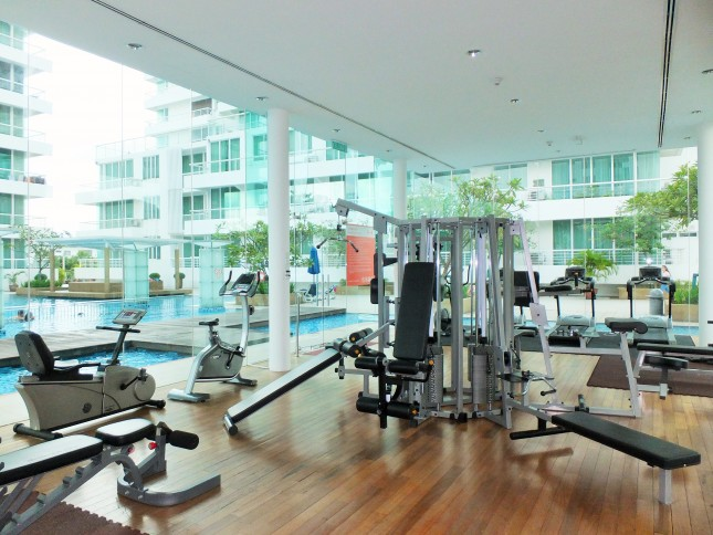 embassyview_floating-gym4